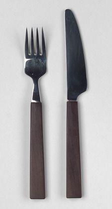 Triennale, 1957  Material: madeira e aço inoxidável  Design: Bertel Gardberg  Para: Oy Fiskars Ab