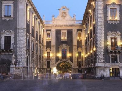 Porta Uzeda #Catania, Sicily #visitsicilyinfo #artinsicily