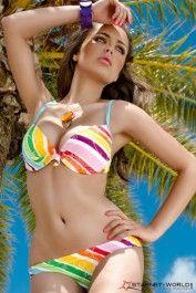 """#BIKINI """"UNDER MY RAINBOW"""" - Bikini e #reggiseni - #Lingerie Sexy. Bel bikini con i colori estivi e fresch! Reggiseno a #balconcino. Spalline regolabili. Fissaggio tradizionale. Il centro del reggiseno ha un nodo. Reggiseno imbottito per aumentare le dimensioni! 2 pezzi - Confezione: blisterpack.  TAGLIE DISPONIBILI:S,M,L €86,52"""