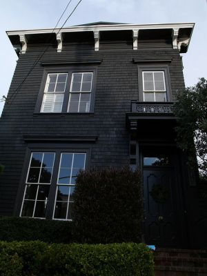 Matte black house in Pacific Heights - mylusciouslife.com.jpg.  I LOVE changing it up...black house with white trim instead of the norm.