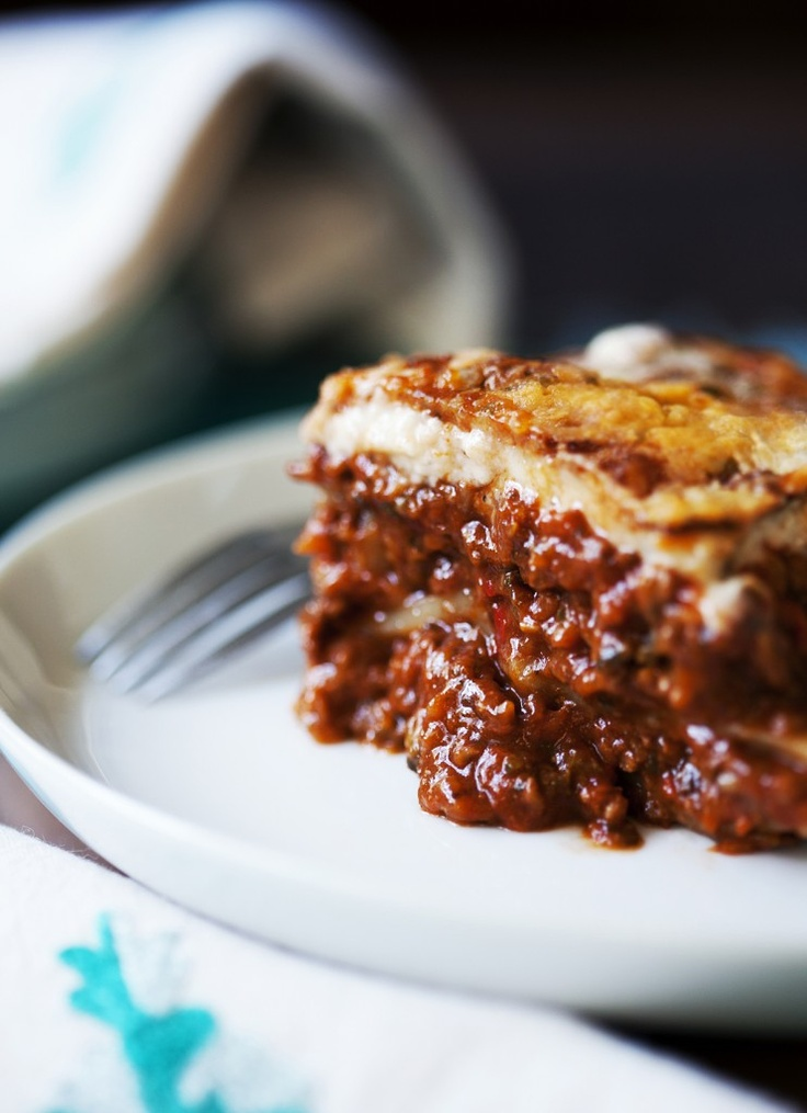 Can we make this 'hidden veg' lasagna with Thermomix? I think so! In this gorgeous post by food photographer Tanya Zouev, we see her use TMX for making the hidden veg mince, but it's up to Thermomixing readers to adapt the rest of Tanya's recipe for themselves. Just look at that oozy-goozy goodness... worth the effort, I say!