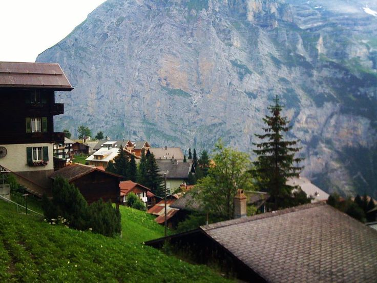 Viagens n'outro País #murren #mountains #switzerland #swissalps #lauterbrunnen #schilthorn #alps #nature #travel #europe #instatravel #photo #여행스타그램 #swiss #wanderlust #beautiful #interlaken #instadaily #여행 #trip #instagram #selfie #travelmore #instapic #eiger #snow #explore #love #schweiz #gimmelwald