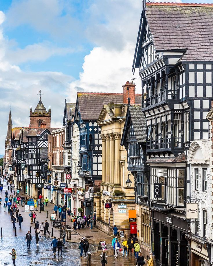 Beautiful street in Chester, England | Great Britain and ...