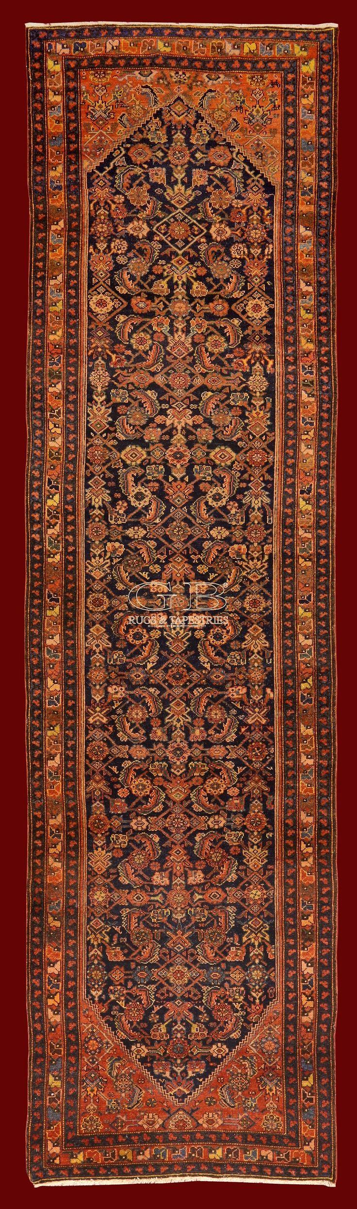 I tappeti FARAHAN ANTICHI che vi presentiamo sono tutti esemplari scelti ad uno ad uno, d'alta epoca, raffinati, elegantissimi e perfettamente consevati. Qu