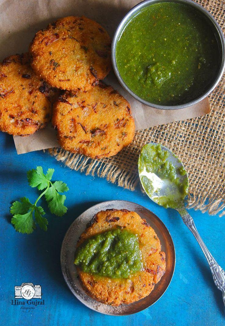 Maddur Vada Recipe - Maddur Vada is deep-fried savory fritters made with combination of different flours, semolina and lots of onion.