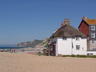 Ship Cottage  - Bridport,  Dorset - could you get any closer to the beach?