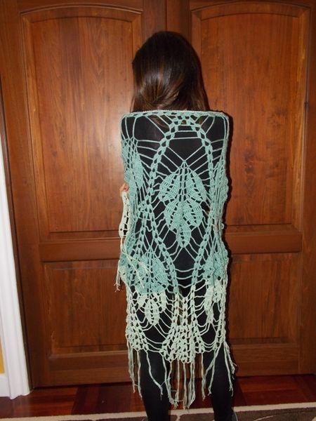 Scialle Triangolare grande lana e cotone verde di FantasticaMaglia su DaWanda.com