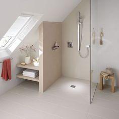 Une salle de bains sous les combles. http://www.m-habitat.fr/douche/types-de-douches/la-douche-a-l-italienne-279_A