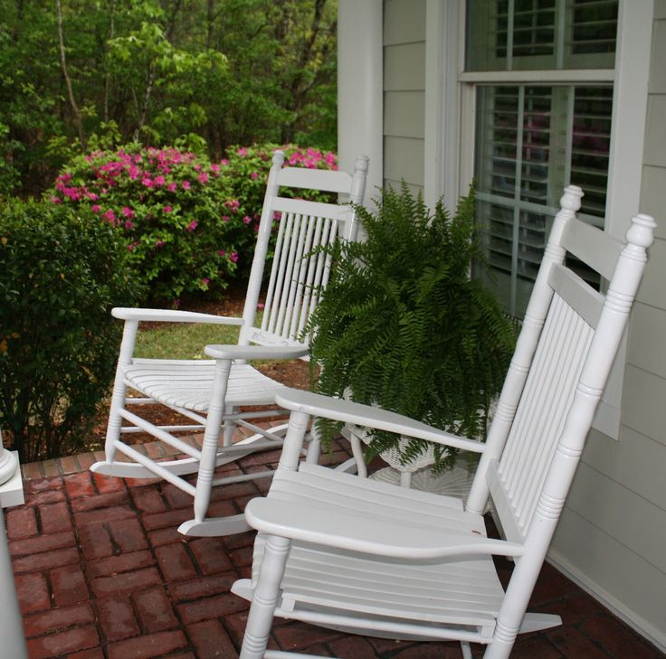 Cracker Barrel White Rocking Chairs_Boston Ferns_Front Porch
