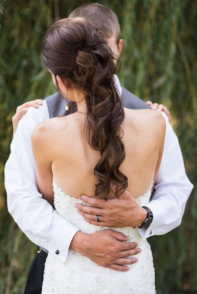 Romantic bridal hair idea - curly ponytail {Jeanne Phinney Photography}