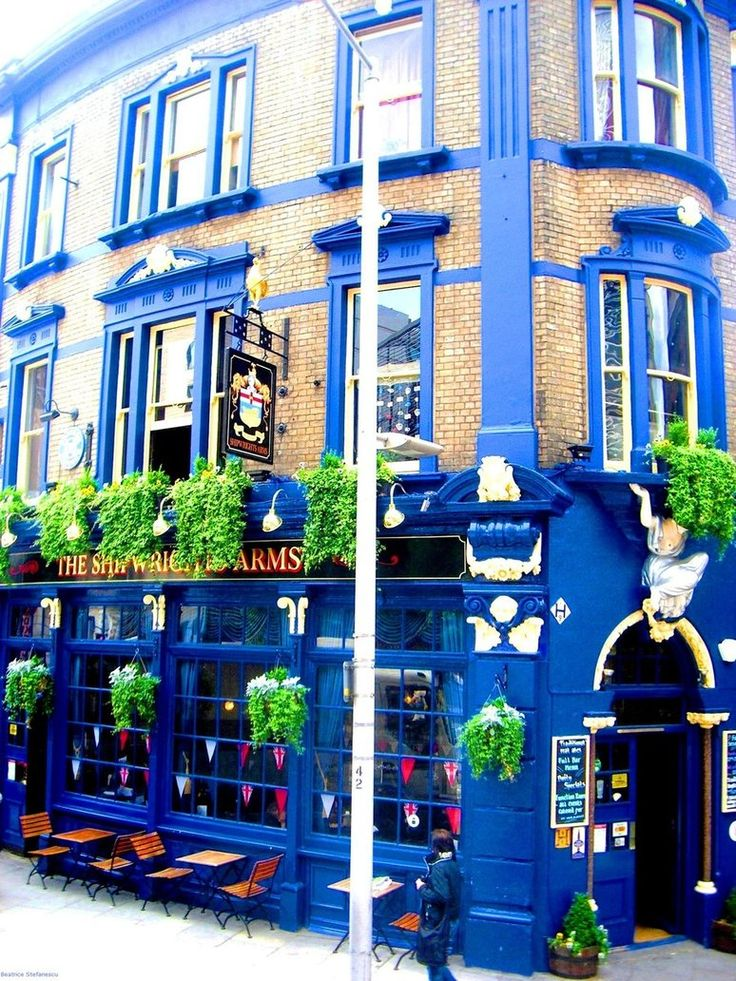 London Pub The Shipwright Arms. A good old fashioned pub which is standing strong amidst all the change surrounding it on Tooley St