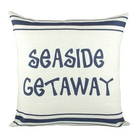 lovely vacation house decor! I could use a seaside getaway right about now...