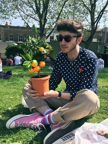David Whitfield - Retrosuperfuture Super, Comme Des Garçons Play, Dickies 873, Gosha Rubchinskiy Socks, Converse 70's Chateau Rose, Mondaine Watch, Cute Orange - Peeling In The Sun
