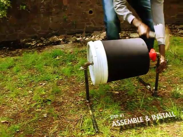 Eco washing machine made of 100% recycled materials and does not need electricity - Up-Stream: Developing World Washing System by Aaron Stathum. http://eliotcoven.wix.com/dev-world-laundry#!home/mainPage