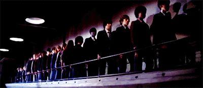 5/1982 se estrenó la película Pink Floyd: The Wall, dirigida por Alan Parker y basada en el álbum de la mítica banda británica. Roger Waters, el vocalista, bajista y líder del grupo fue el encargado de escribir el guión en el que se cuenta la historia de la estrella de rock Pink