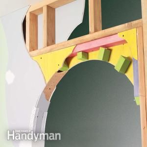 How to Build a Drywall Arch - I would love to add this to the ONE open doorway we have going up the stairs - it'd add a fun focal point!