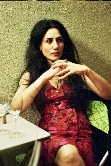 Ronit Elkabetz, née le 27 novembre 1964, à Beer-Sheva, est une actrice, scénariste et réalisatrice israélienne d'origine marocaine. Elle a déclaré : « Je suis en permanence à la recherche de mes racines. Je suis née de parents immigrés du Maroc