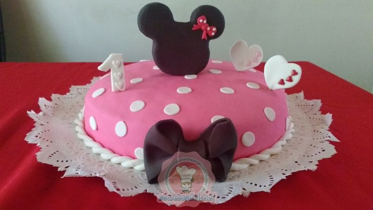 Torta Minnie Mousse 30 personas