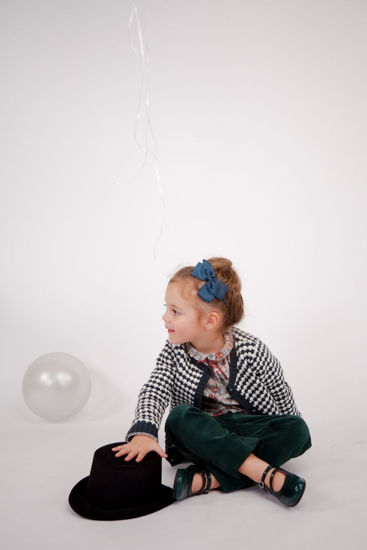 Collection CdeC AW 2014. Cardigan Flake Coquille Frog, Blouse Molly Degas Pink #cdec #lookbook #kidsfashion