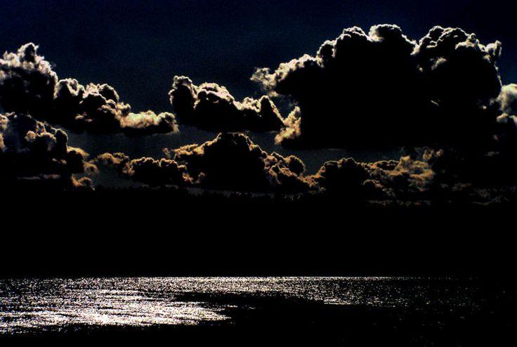 Jezioro nocą