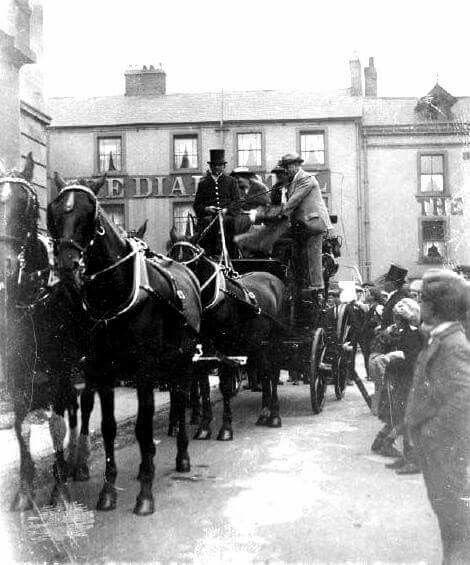 Duke of Portland leaving The Dial 1927
