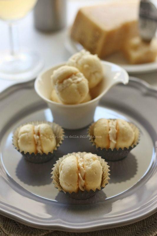 ...e tre! Terza e ultima ricetta per il contest di Parmigiano Reggiano Chef 4 Cooking.  Ancora un aperitivo, ancora un'ispirazione dolce ...