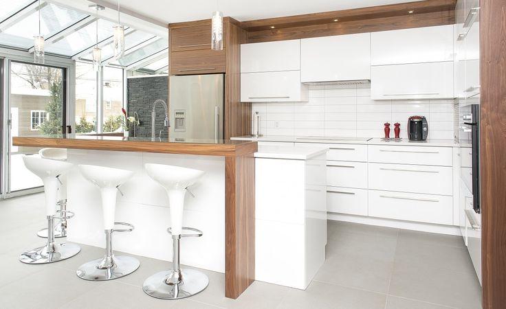 Best 25 armoire de cuisine ideas on pinterest central for Cuisine contemporaine