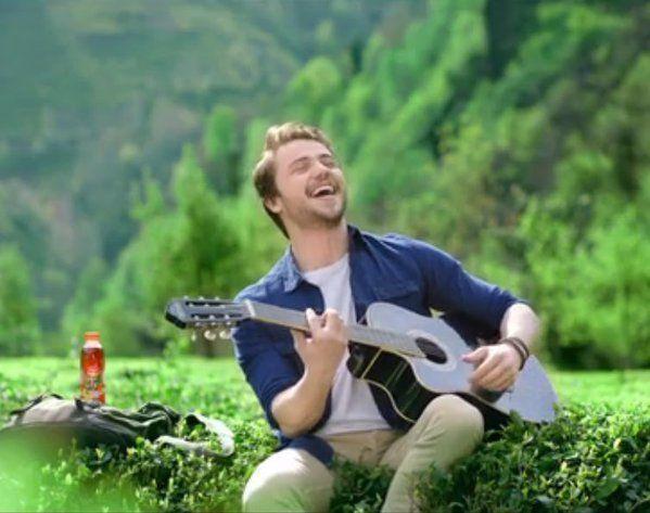 TvDunyasii: Merakla beklenen Tolga Sarıtaş'ın Doğuş Çay reklam...