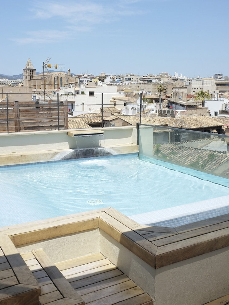 Best 25 rooftop pool ideas on pinterest greece design for Rooftop pool design