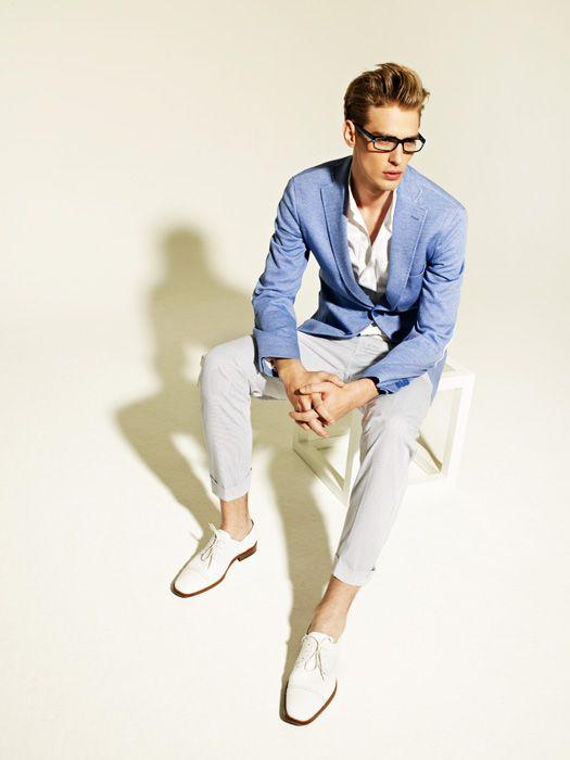 blue blazer, white shoes.