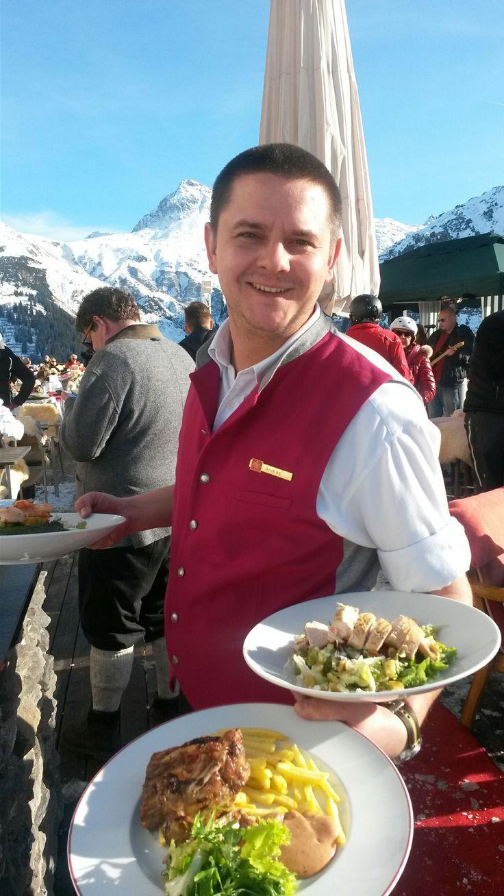 Köstlichkeiten vom Grill auf unserer #Sonnenterrasse #lech #arlberg #hotelgoldenerberg