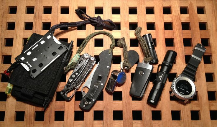 iPhone 4S in the Skinth SP basic marker Rotrings - a 2mm mechanical pencil and a ball pen Id/access card 16GB Sandisk memory stick Skeletool Cx Spyderco Military Housekey w/electronic key and my 25 year old issued whistle Car key Olight i1 EOS Olight T20 Digital Suunto Core AluBlack [[MORE]] I am an engineer/QHSSE proffessional working in the oil and gas industry in the west coast of Norway. On a normal day I do not carry a knife, unless I need it for utility or specific use. In most cases…