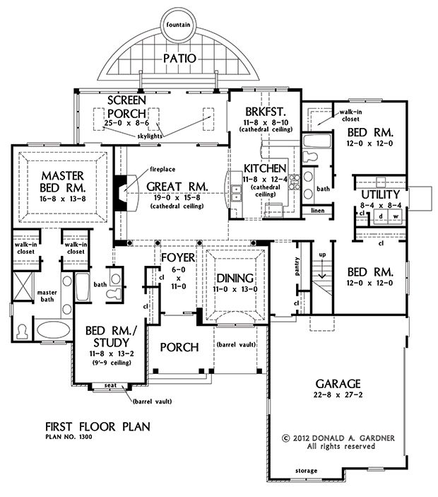 house plans with large mud rooms
