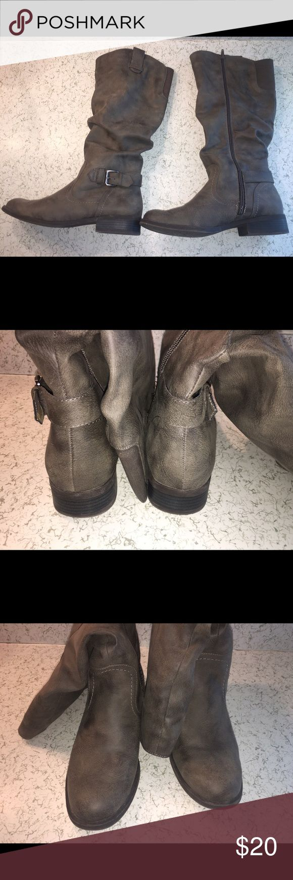 Riding Boots Excellent condition. Minimal wear. Perfect boots for the fall time. Shoes