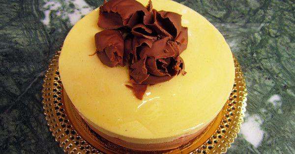 Scopri la torta tris, con  3 mousse, di Ernst Knam a Che diavolo di pasticceria!