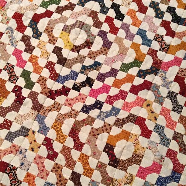 Temecula Quilt Co Bowtie Quilt. I love block like bowtie and apple core/axhead and drunkard's path because there are so many variations NLP.