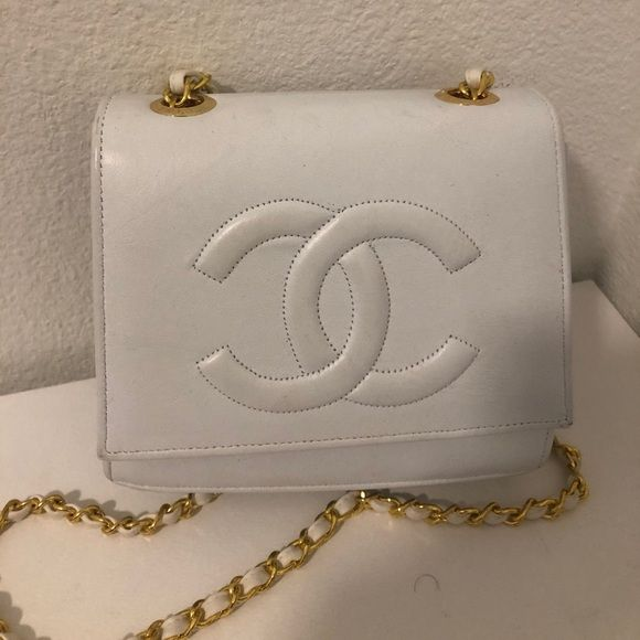 Vintage White Chanel Shoulder Bag With Gold Chain Vintage Chanel Bag Hard To Find Perfect For All Occasions Vintage Chanel Bag Chanel Shoulder Bag Chanel Bag