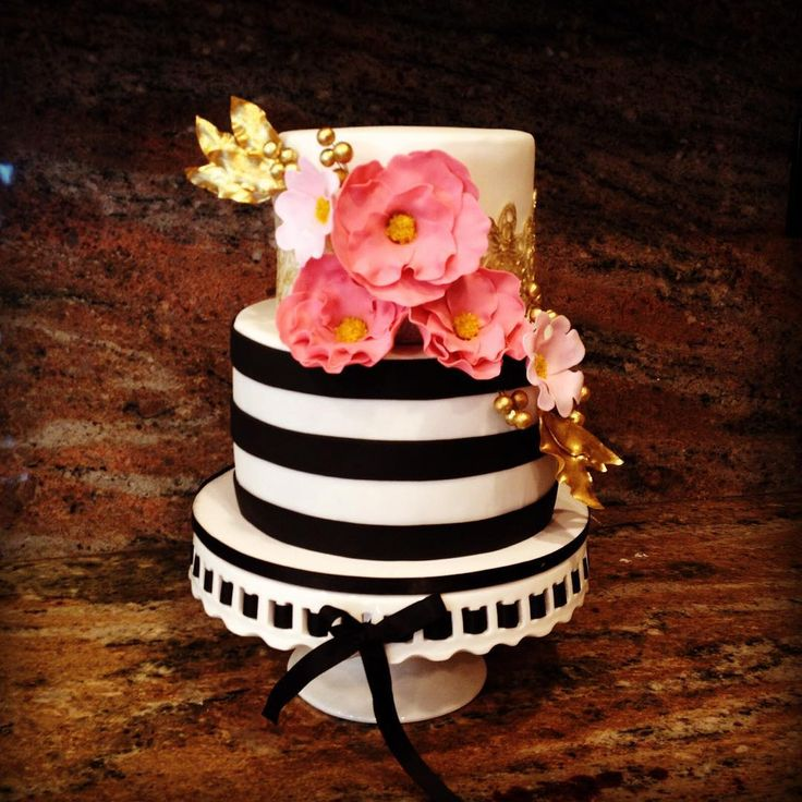 """""""#katespade inspired cake. This cake was inspired in a Francisca Neves design :)"""""""