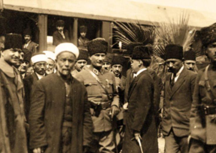 #AtatürkAsaletinYeter pic.twitter.com/FLdmj5JDzO