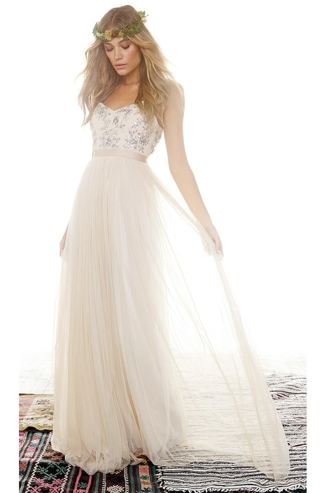 Truly & Madly Blog | 35 Affordable wedding dresses under $500 | Budget wedding dress| NZ wedding blog