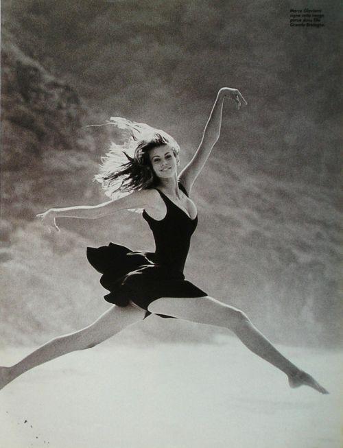 Niki TaylorPhotography Dance Girls, Country Girls, Beautiful, 90 Supermodels, Photos France, Niki Taylors, 90S Supermodels, Nikki Taylors, Artists Photography