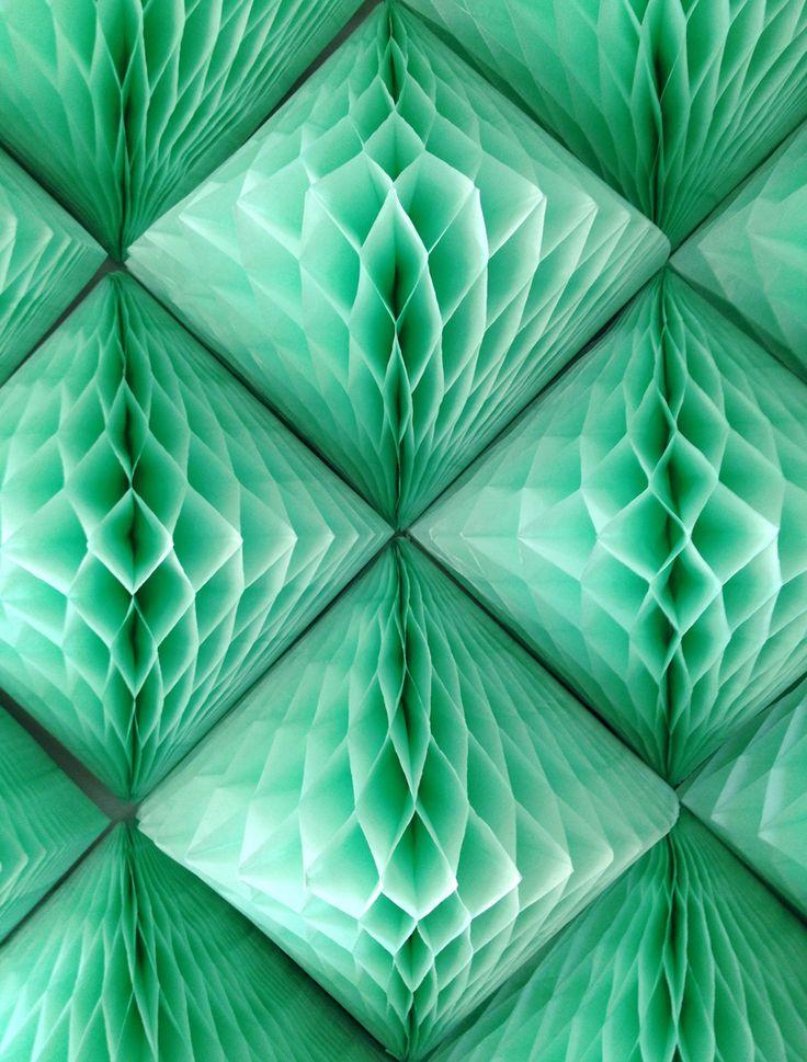 confettisystem:    PARTYPARTY Mint Quartz patterns, part of PS1 Warm Up stage design.  Photo by CONFETTISYSTEM