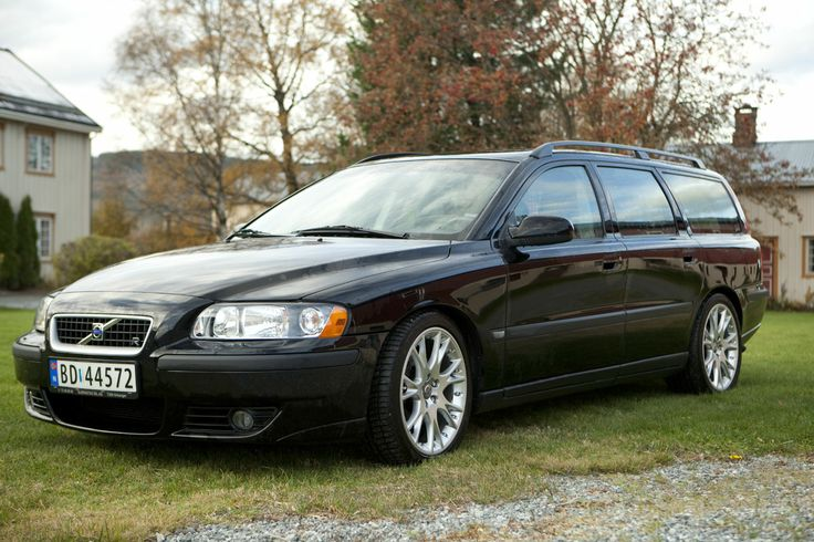 2003 Volvo V70  2.5 Diesel  . Just Bought this model ~ South of France ..Here I come   ~ A Rocket Ship !