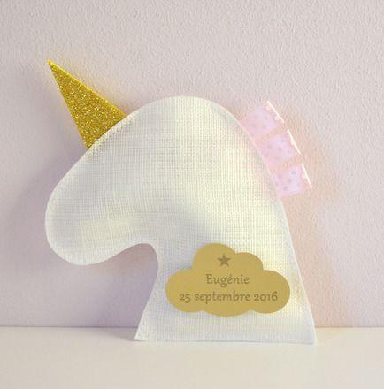 Pour le baptême ou l'anniversaire de votre enfant : des sachets à dragées en forme de licorne. Devant en lin blanc en lin blanc (lin fabriqué en France).... Dos en feu - 19165728