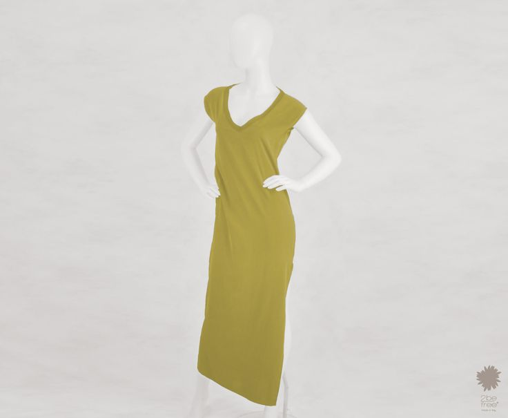 Mustique Colonial -  V-neck maxi dress in dyed silk, with knitted hems, deep back neckline and side splits