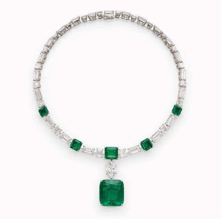 La ex mujer del Aga Khan vende sus joyas, una colección estimada en 20 millones de euros - El collar de esmeraldas y diamantes, firmado por Cartier