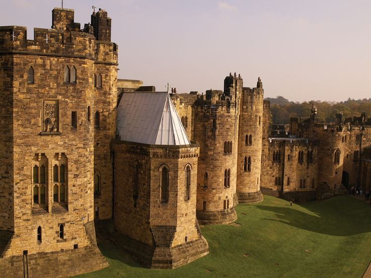Alnwick Castle | Weddings In Northumberland This is the castle used in filming Harry Potter, so basically you can get married at Hogwarts ;)