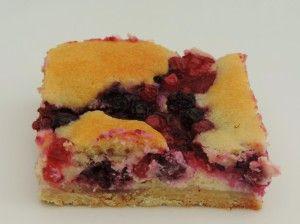 Plaatcake, je kan er zo lekker mee variëren; daar weten de Duitsers alles van. Je hebt daar op bijna iedere hoek wel een bakkertje waar je ...