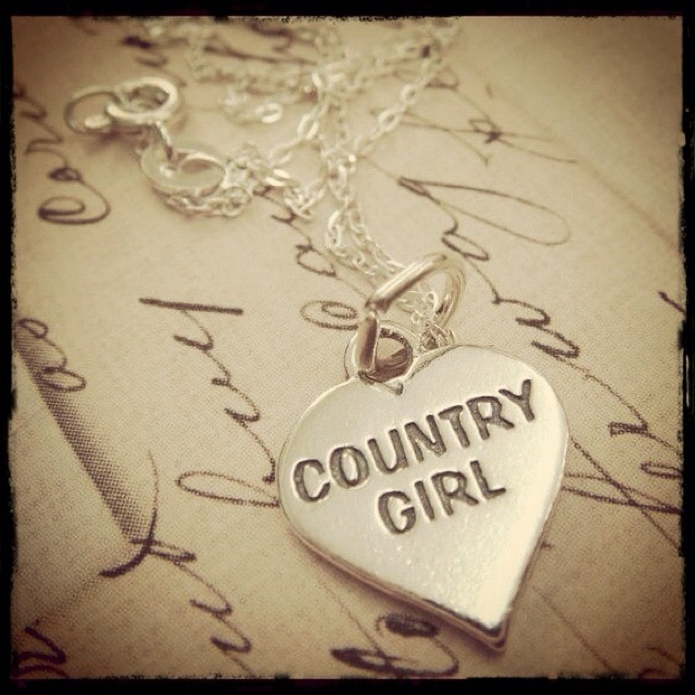 Country Girl!!!: Hands Stamps, Heart, Summer Outfit, Style, Country Girls, Jewelry, Necklaces, Country Life, Summer Clothing
