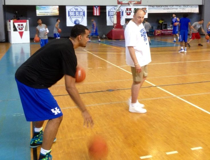 Slice putting Trey Lyles through drills. See no signs of his undisclosed leg injury. pic.twitter.com/0Bwchc3Ihs